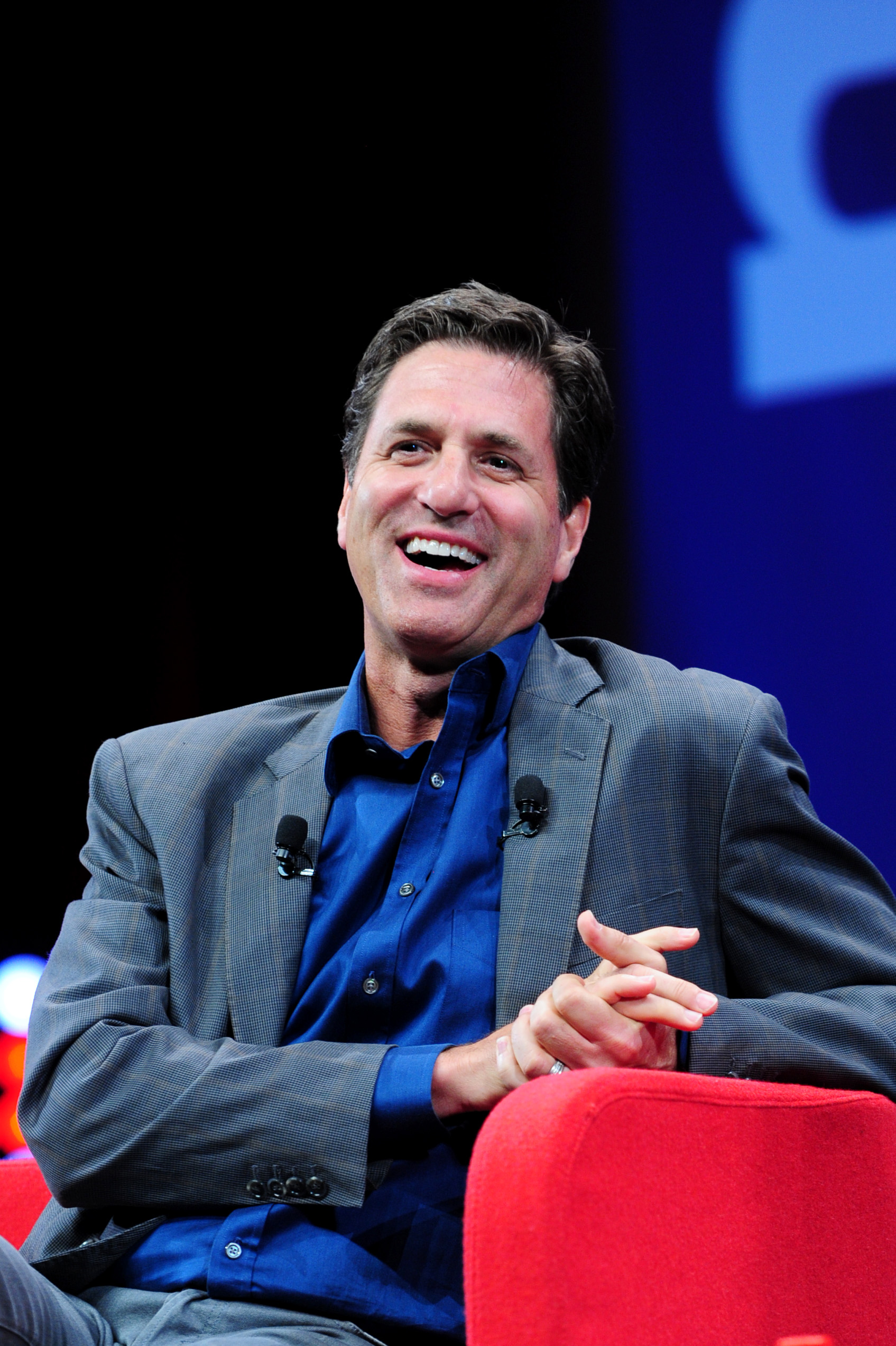 "MIPTV 2015 - CONFERENCES - DRAMA AT MIPTV - MEDIA MASTERMIND KEYNOTE - STEVEN LEVITAN / ""MODERN FAMILY"" CO-CREATOR AND EXECUTIVE PRODUCER INTERVIEWED BY ANNA CARUGATI / WORLD SCREEN"